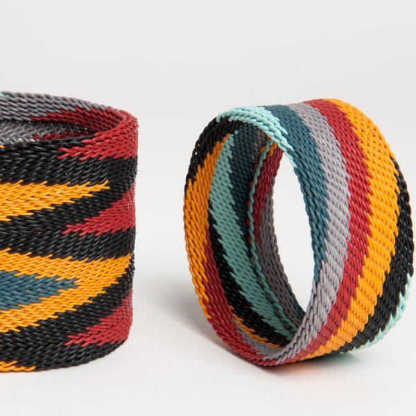 bracelet en fil de téléphone - telephone wire bracelet