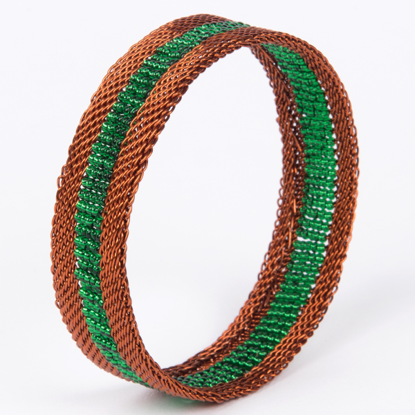 bracelet en fil de cuivre et perles - copper wire and glass beads bracelet | mahatsara