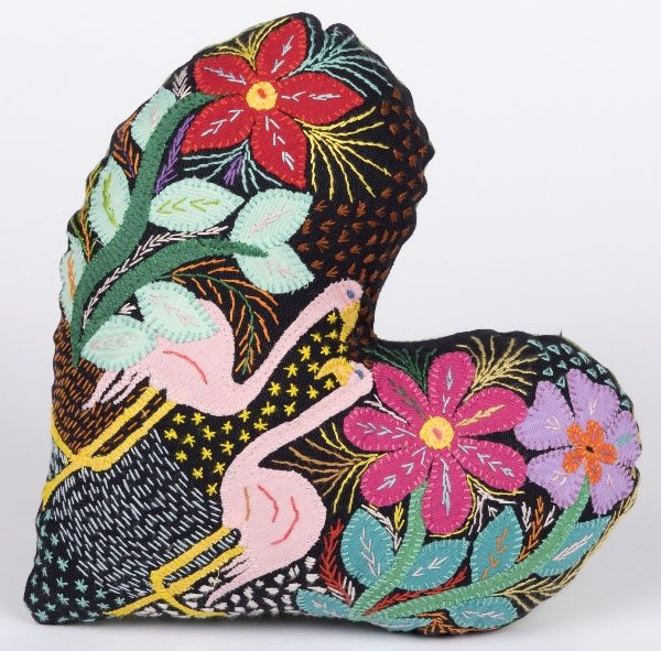 coussin coeur brode - embroidered heart shaped cushion | mahatsara