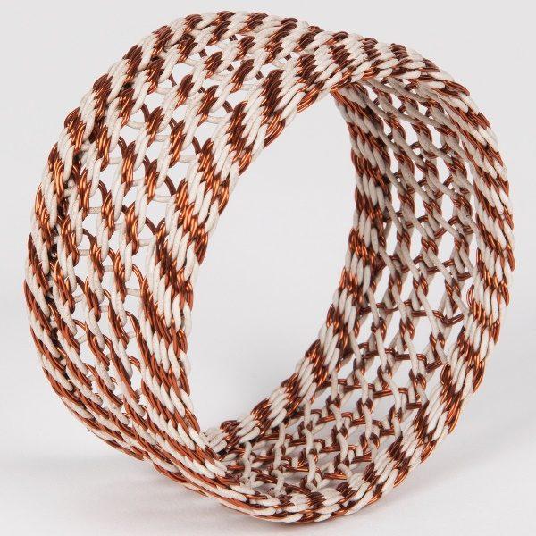 Bracelet en fil de téléphone et fil de cuivre tressé - hand woven telephone wire and copper wire bracelet | mahatsara