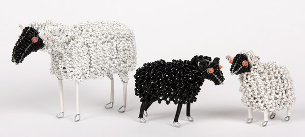 mouton en perles - beaded sheep | mahatsara