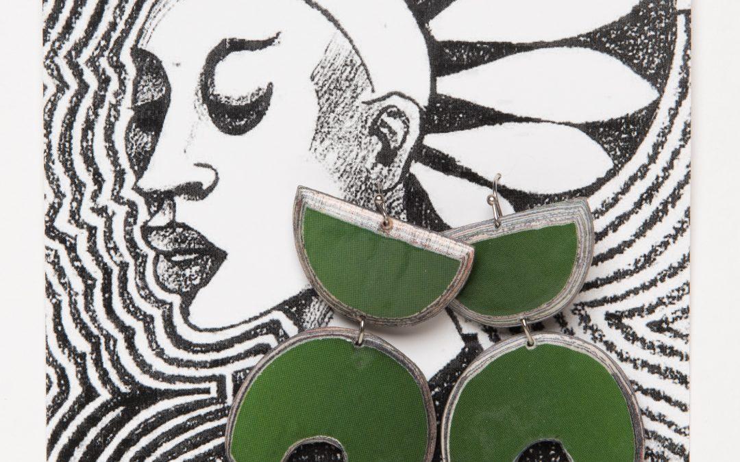 Nouvelle collection de boucles d'oreilles «Paper Wood»